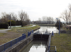 Guindal lock Dunkerque canals