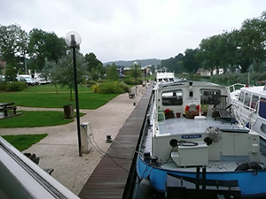 Canal entre Champagne et Bourgogne Mooring Joinville