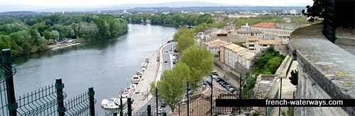 Avignon, River Rhone, port de plaisance