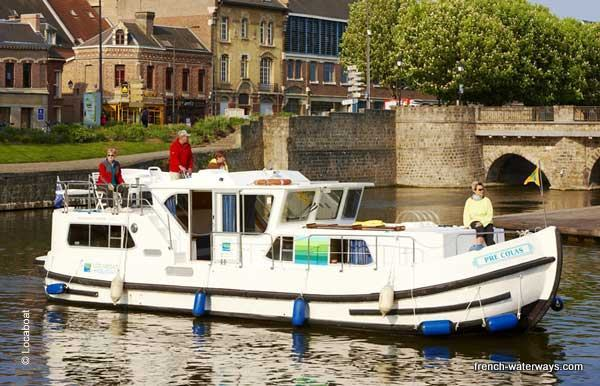 First Class self-drive hire boating France canals