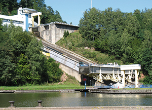 Arzviller inclined plane, opened in 1968 for 250t barges, is now a major tourist attraction. © Nordlicht