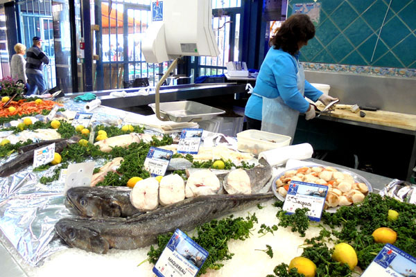 Dijon coverend market - fish french-waterways.com
