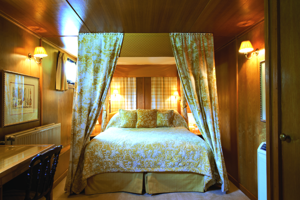 Belmond Fleur de Lys Burgundy french-waterways.com