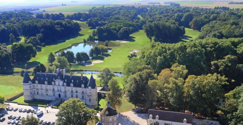 Golf Chateau - hotel barge Randle Burgundy Nivernais