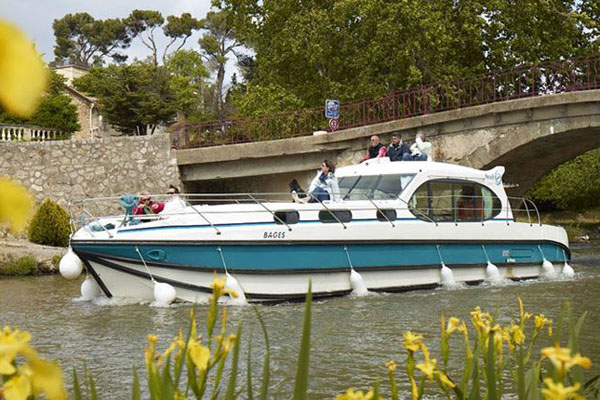 Nicols hire boat - french-waterways.com offers