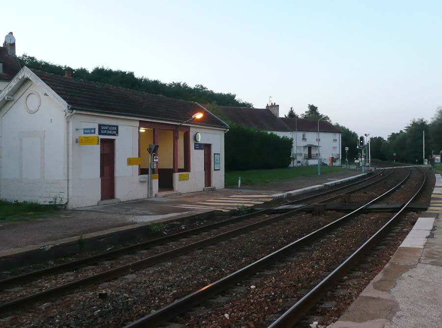 Saint-Lever train station