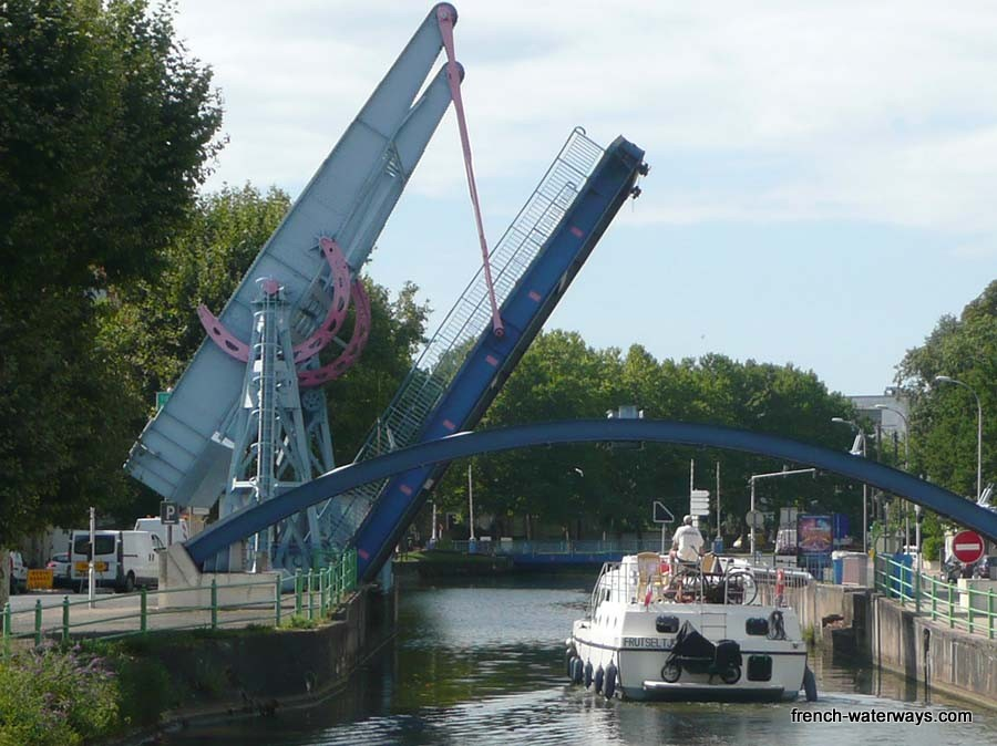 Montceau les mines - three lifting bridges