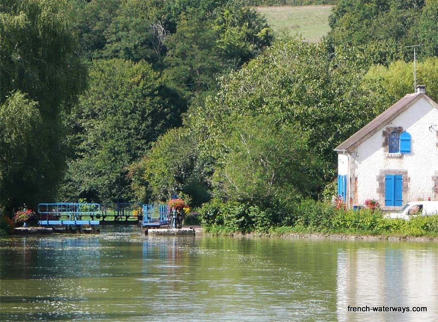 Nivernais lock cottage
