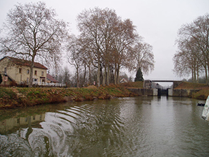 Canal entre Champagne et Bourgogne Maxilly lock