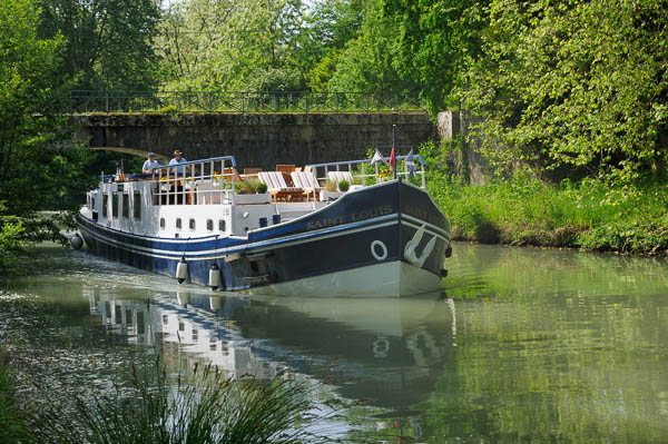 saint louis hotel barge aquitaine french-waterways.com