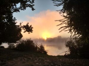 Sunrise through the mist in Aquitaine, Cyrano de Bergerac, Bordeaux