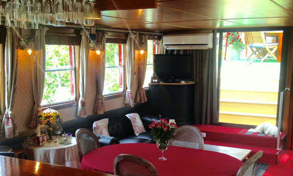 Hotel Barge Wine & Water Salon and Dining Burgundy