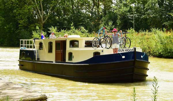 France Afloat barge self-drive boating holiday France canals