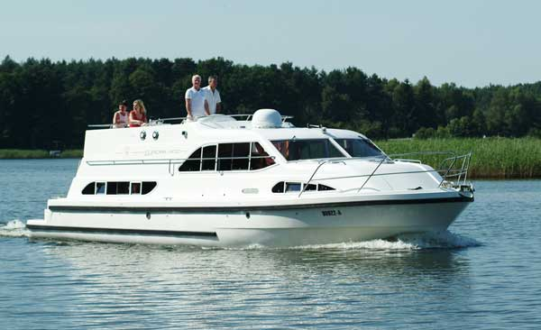 Self-drive hire boating holiday cruise France canals Locaboat Europa