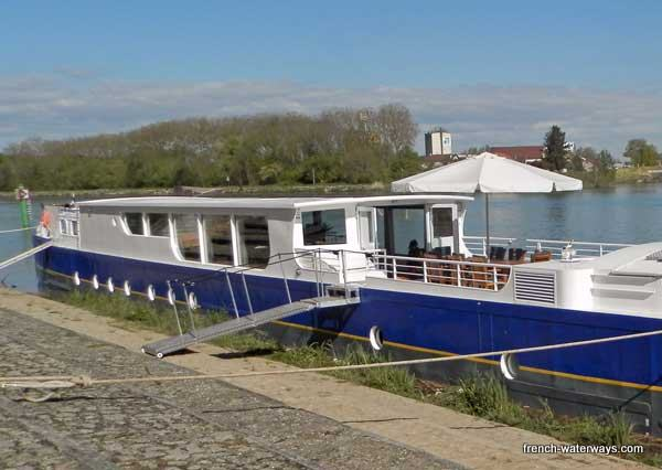 Hotel Barge Finesse Burgundy