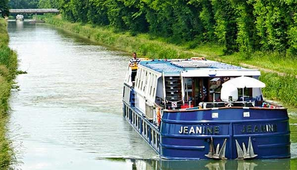 Hotel Barge Jeanine