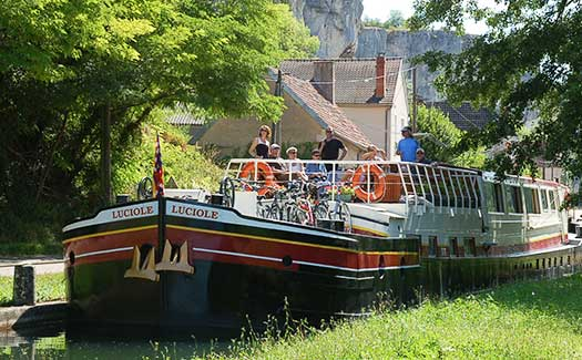 Hotel barge luxury cruise France Burgundy Loire NIivernais