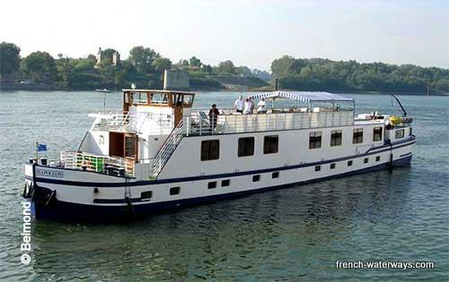 Hotel Barge Belmond Napoleon Orient Express Provence