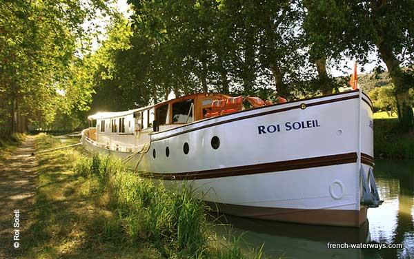 Roi Soleil Hotel Barge Canal du Midi France offers french-waterways.com