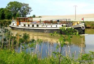 Hotel barge Saraphina, Canal du Mid, France
