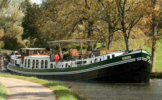 Hotel barge luxury cruise France Paris Champagne