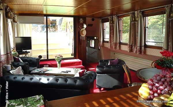 Hotel Barge Wine and Water - Saloon - Burgundy